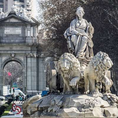 Free Tour Madrid de los Borbones - visita guiada gratis madrid de los borbones Fuente de Cibeles - ALT Tomas G Santis