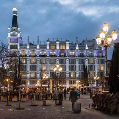 FREE TOUR MADRID BARRIO DE LAS LETRAS - Visita guiada barrio de las Letras Plaza de Santa Ana - ALT Tomas G Santis
