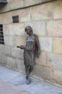 Julia la estudiante de la calle Pez