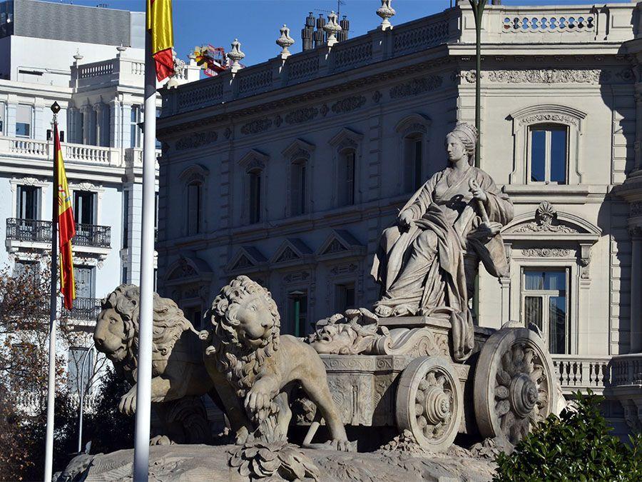 free tour madrid de los borbones Leaf Madrid Fuente Cibeles