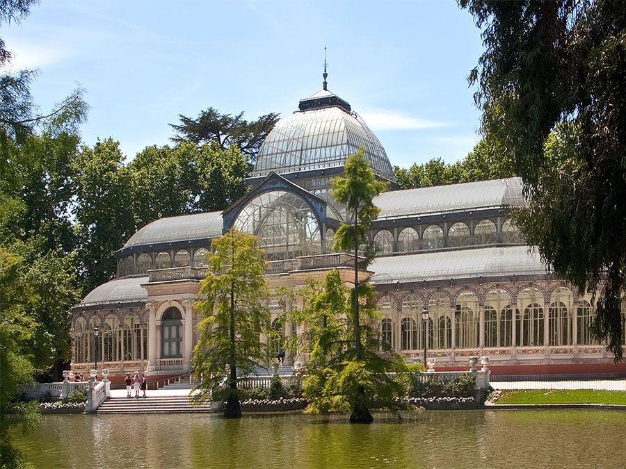Free walking Tour Madrid de los borbones Leaf Madrid Palacio Cristal