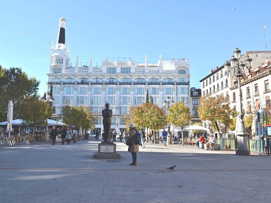 Leaf Madrid Free Tour Madrid Plaza de Santa Ana