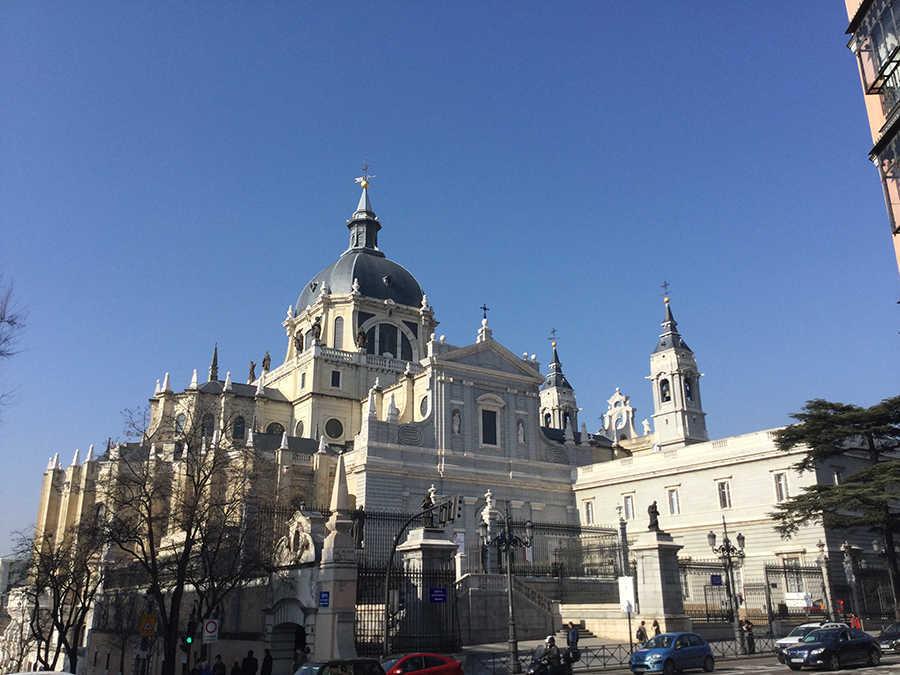 Leaf Madrid Free Tour Madrid Catedral de la Almudena