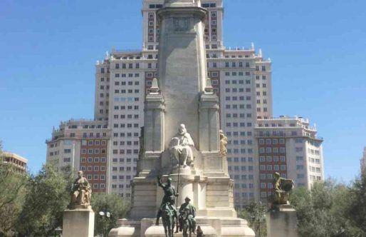 Monumento Miguel de Cervantes Plaza de España de Madrid