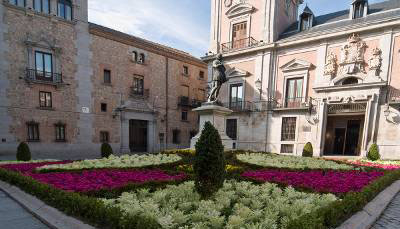 Free tour madrid de los austrias - visita guiada madrid de los austrias Plaza de la Villa